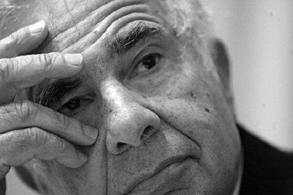 Activist investor Carl Icahn is publicly prodding Apple chief Tim Cook to finance a 150 billion stock buyback with debt and cash