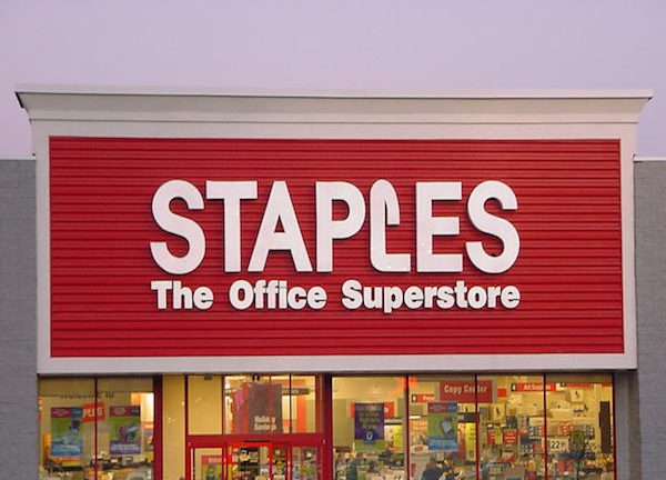 Staples last week confirmed it began investigating a possible data breach at several of its US locations but this office supply giant wasn39t the only company that might have been victimized by hackers recently