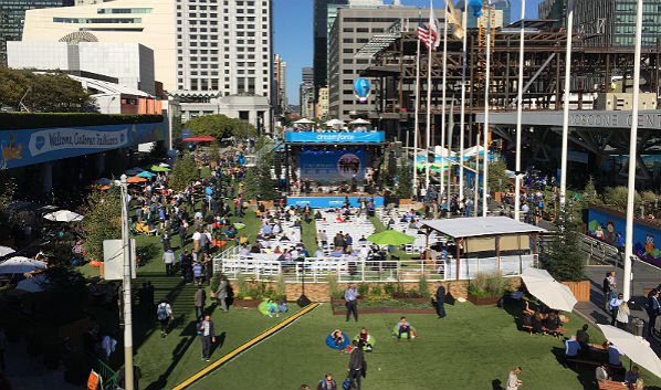 Dreamforce '16: Outdoor Motif