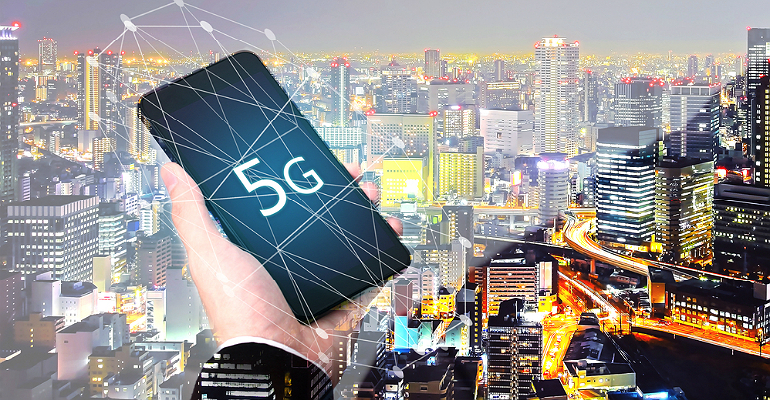 5G smartphone over smart city