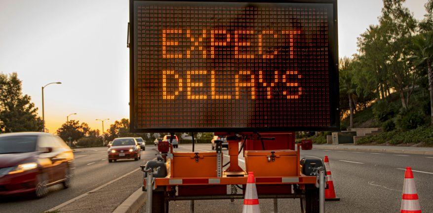 Delays road sign